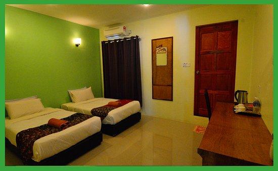 Sukau, Maleisië: Twin Green House