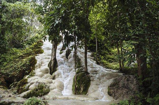 Sticky Waterfall, Chiangdao Cave, Bai...