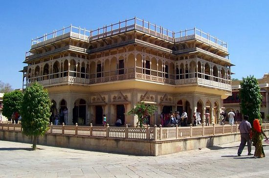 Private Custom Tour: Jaipur ...