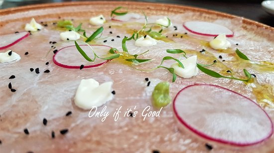 Port Elliot, أستراليا: Snapper Carpaccio - photo owned by onlyifitsgood.com.au