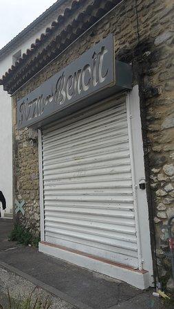Barbentane, France: Devanture