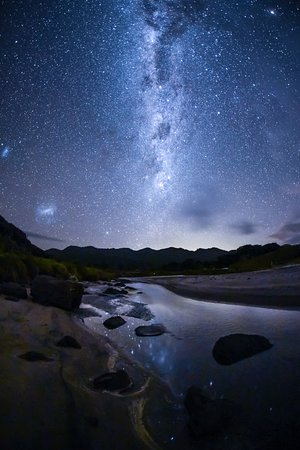 Tryphena, New Zealand: The Milky Way over Medlands Beach, Great Barrier Island (photo: Mark Russell)