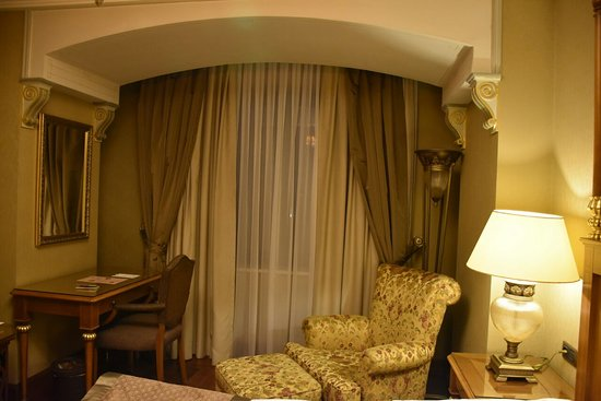 The Central Palace: comfotable room