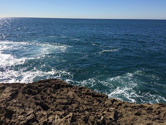 Boca do Inferno: Atlantic sea up close