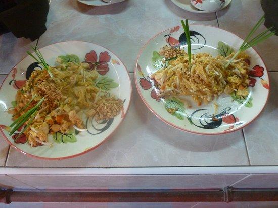 Saraphi, Tailandia: Dinner is served