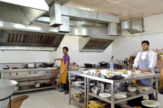 Zizina Resorts: Kitchen 2