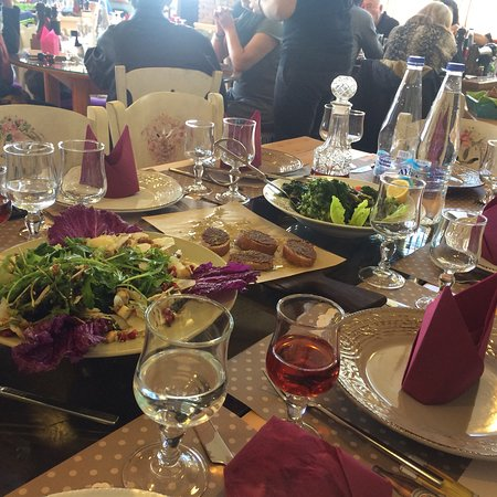 Amaliada, اليونان: Ένα εστιατόριο απο τα καλύτερα στην περιοχή! Φαγητό με εξαιρετική γεύση, ποσότητα και ποικιλία..