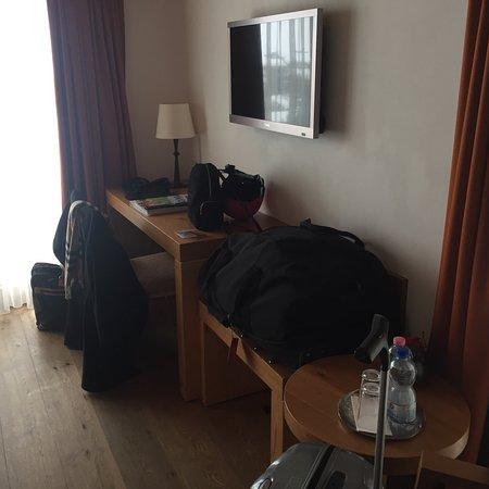 Hotel Phoenix Photo
