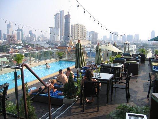 Piscine sur le toit picture of hotel royal bangkok at chinatown bangkok tripadvisor - Hotel bangkok piscina ...