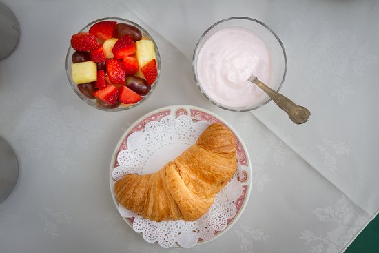 Elim House: Continental Breakfast