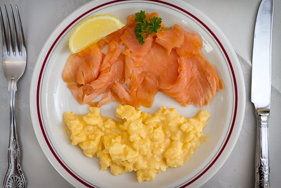 Elim House: Smoked Salmon and scrambled egg breakfast