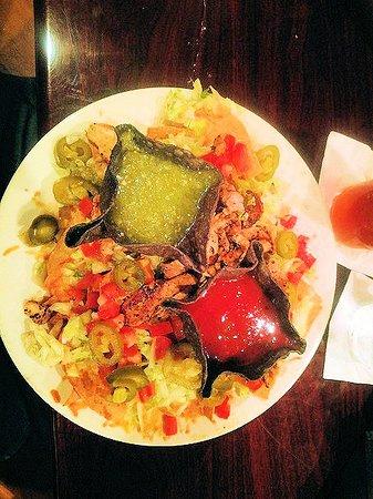 Quigley's Pint & Plate: chicken nachos