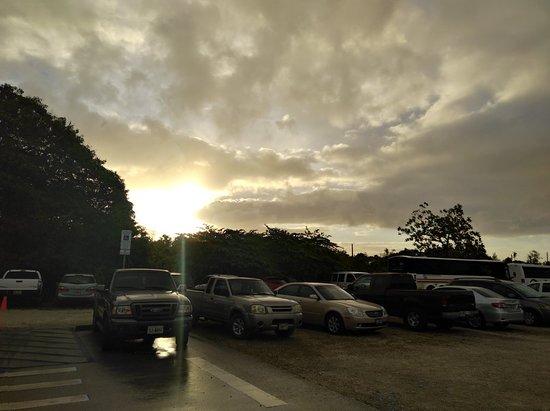 デデドの朝市, 雨上がりの朝市