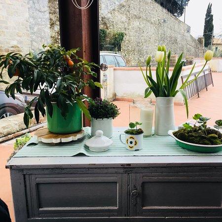 Candeli, Italia: Posto delizioso.. terrazza chiusa da vetrate con la stufa.. siamo stati davvero bene! Personale