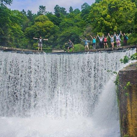 Abkhazia, جورجيا: Походы к водопадам