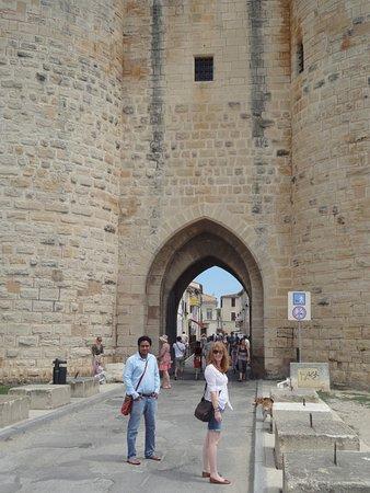 Lou Garbin : enjoying castle
