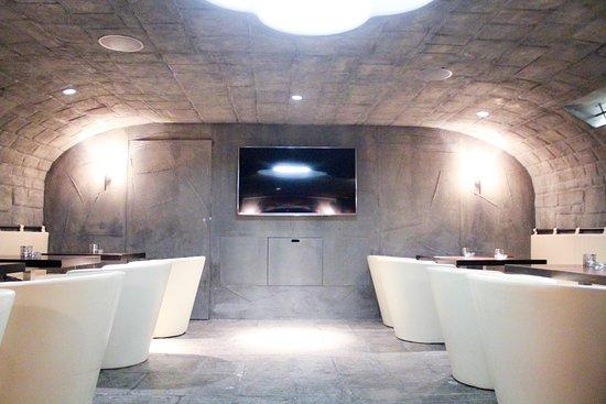 Buelach, Svizzera: Fumoir im Gewölbekeller