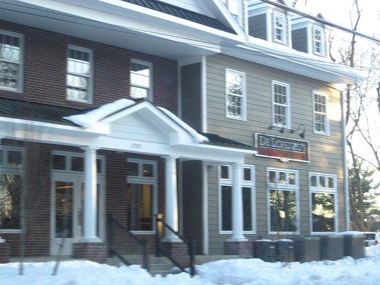 Yardley, Пенсильвания: Road View - DeLorenzo's
