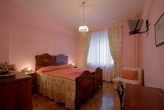 Casa Ferrari B&B: The Pink room