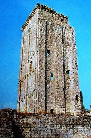 Le Grand-Pressigny, France : Le donjon (1180)