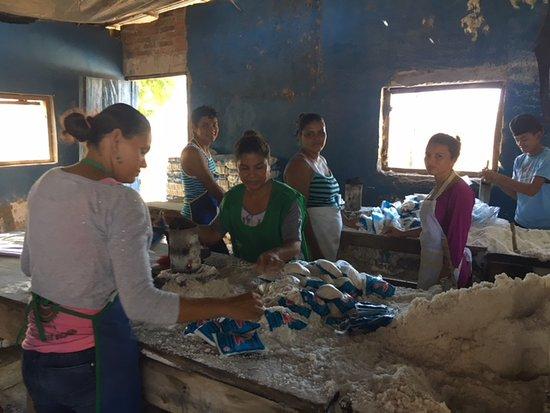 Managua, Nicaragua: Family salt operation