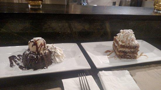 Middletown, Нью-Йорк: Carrot Cake & Lava Cake