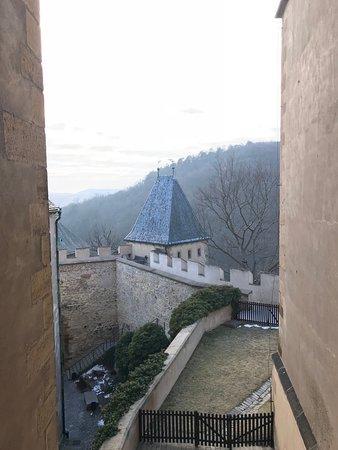 Karlstejn, Czech Republic: Fragment murów obronnych