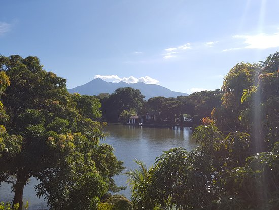Lake Nicaragua, Nicaragua: volcano above isletas