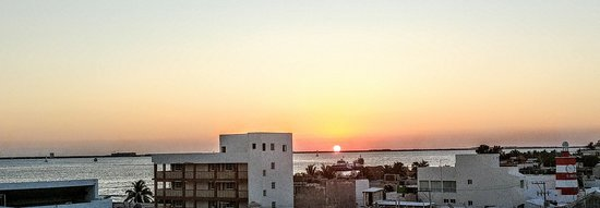 Casa Sirena Hotel: 20180305_185038_HDR~2_large.jpg