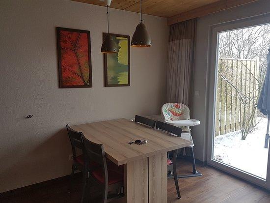 Küche/Essbereich - Bild von Center Parcs - Park Bostalsee, Nohfelden ...