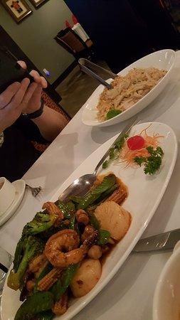 Saugus, MA: Rosie Shrimp and Scallops plus Pad Thai