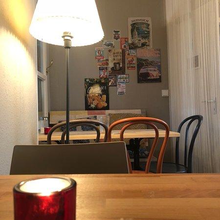 Sehr schönes herzliches Café mit hausgemachten Leckereien