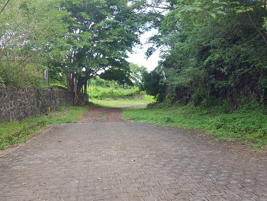 Granada, Nicaragua: the road to nowhere, trying to find the unmarked butterfly reserver