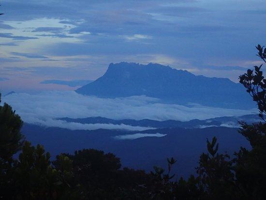 Keningau, มาเลเซีย: Big brother in the distance