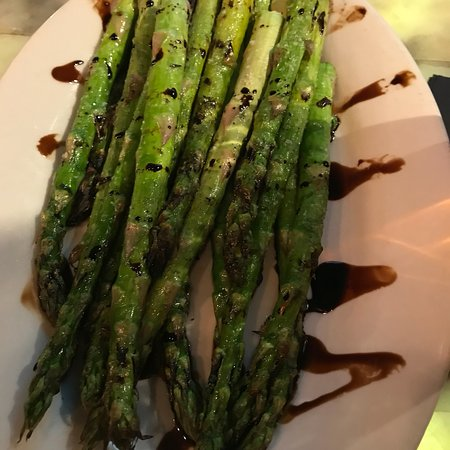 Walled Lake, MI: Asparagus