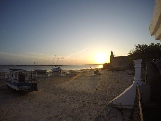 Cinco Portas: tramonto dalla piscina