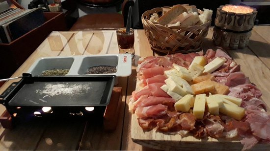 raclette des a ores picture of mercearia sao pedro wine tapas ponta delgada tripadvisor. Black Bedroom Furniture Sets. Home Design Ideas