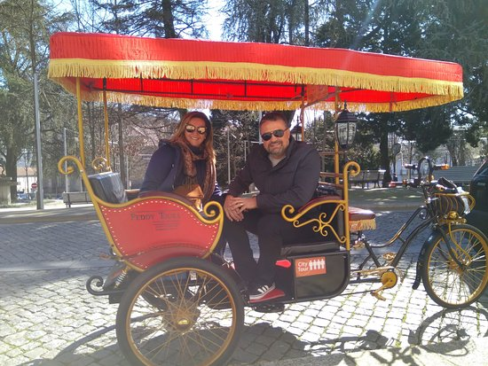 Guimaraes, Portugalia: 1st ride on the 4pax rickshaw