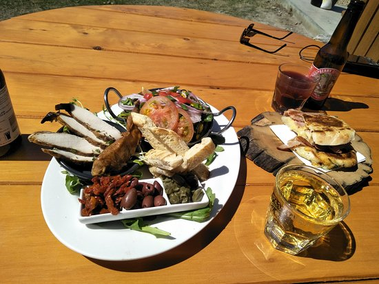 Bruny Island Cafe: local produce tasting plate