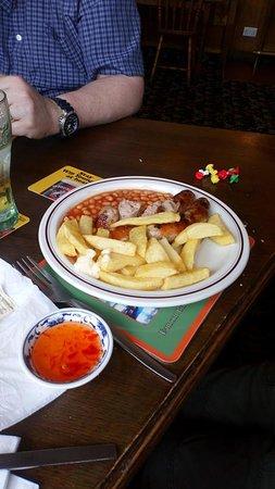 Eamont Bridge, UK: Kids sausage, chips and beans