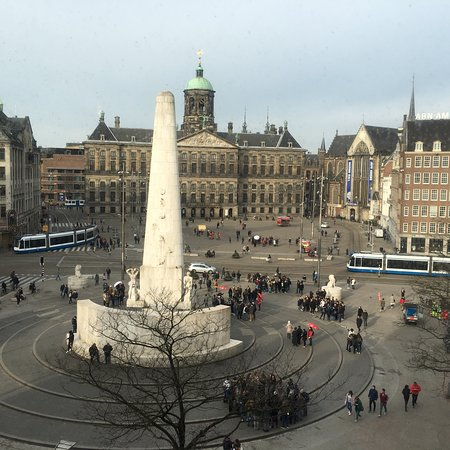 Dam square amsterdam all you need to know before you for Ostello amsterdam piazza dam