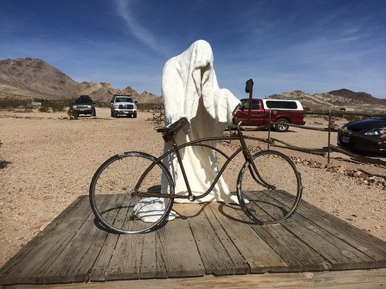 Beatty, NV: Rhyolite Points of Interest and Artwork