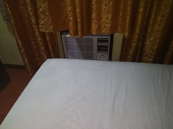Hotel San Marco Gensan: aircon freezing your feet
