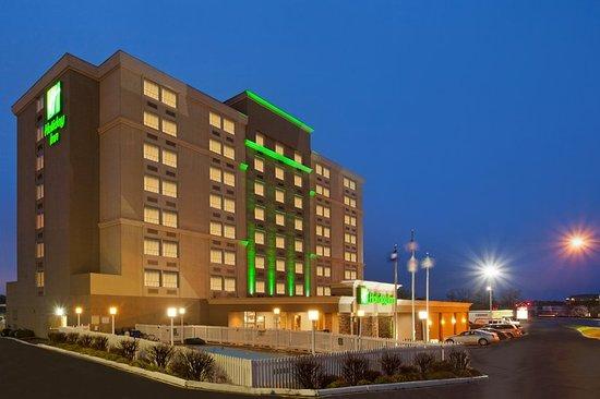 Holiday Inn Richmond I 64 West End: Exterior