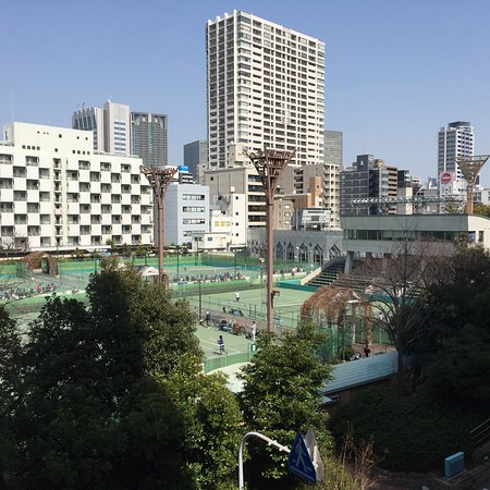 ‪Utsubo Tennis Center‬