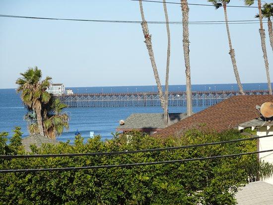 Aquamarine Villas: Pier view by day