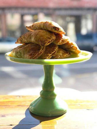 Chatham, Estado de Nueva York: Our Apple Hand Pies are good anytime day or night.