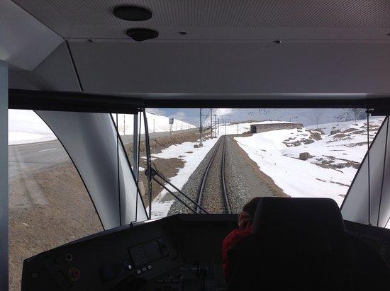 Viagem com o trem Bernina pela Diavolezza.