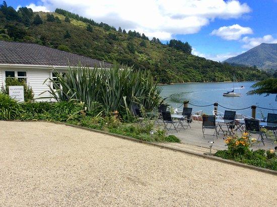 Te Mahia, New Zealand: Seating area