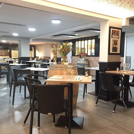 restaurant restaurant l 39 entre deux verres dans quinsac avec cuisine autres cuisines europe ennes. Black Bedroom Furniture Sets. Home Design Ideas